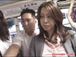 Sexy Japanese babe getting..