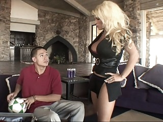 Blonde mom gets drilled by..
