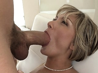 MILF screams as she gets..