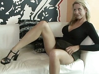 Shaped mature wife Emma..